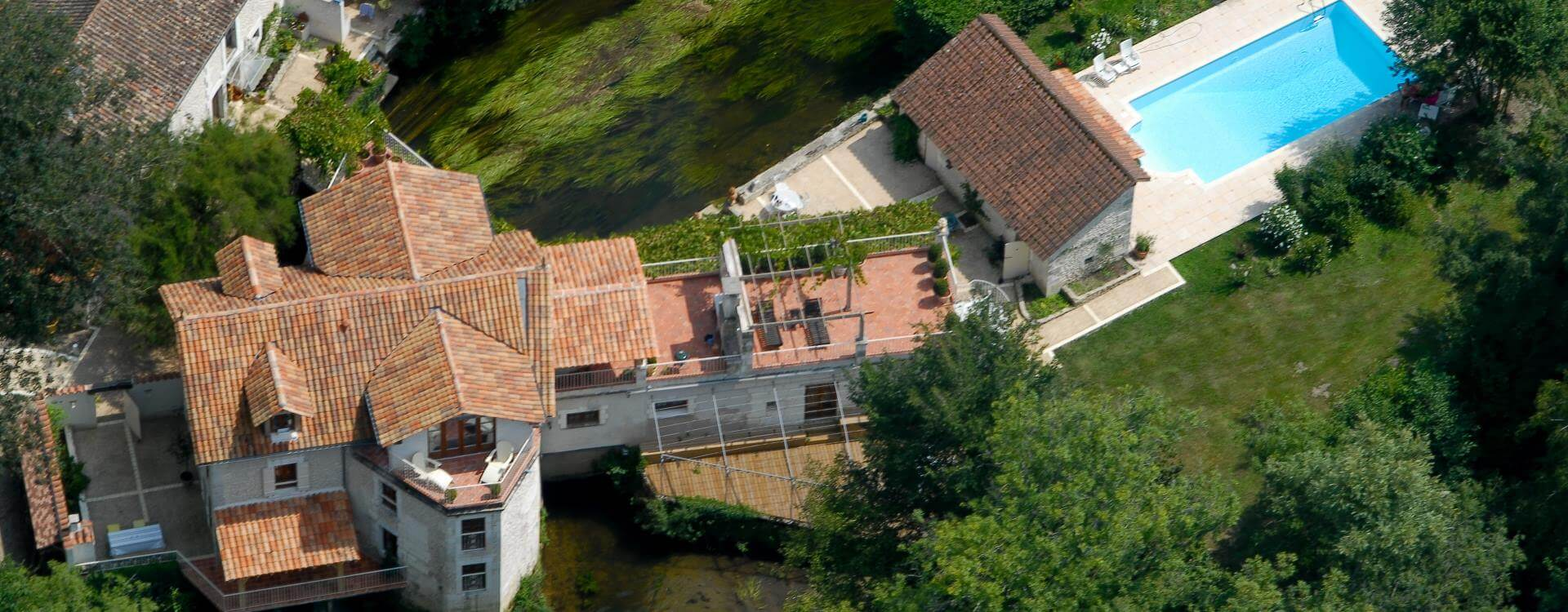 Le Moulin De Larcy – Ariel view with pool